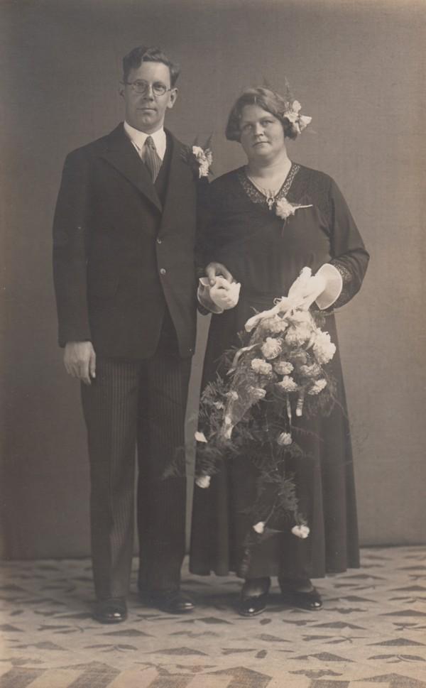Jacob Buitenhuis en Marianne Antonette Limper trouwfoto.