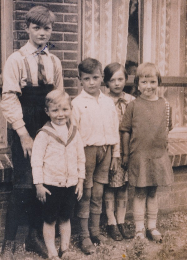 Wijnand, Steven, Christiaan, Lambertha en Adriana Hendrika Mooij