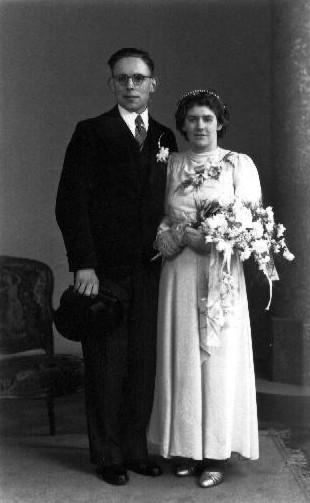 Dirk van de Veen en Klasina van der Laan trouwfoto
