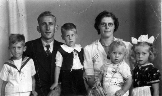 Gijsbert van Twillert en Hendrika van der Laan met kinderen