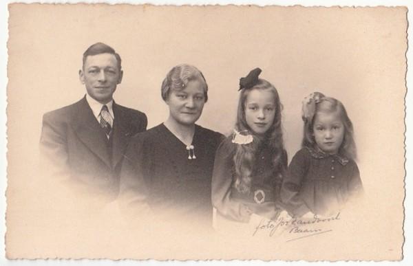 Johannes van de Meent, Jansje Aarsen, Geurtje van de Meent en Grietje van de Meent