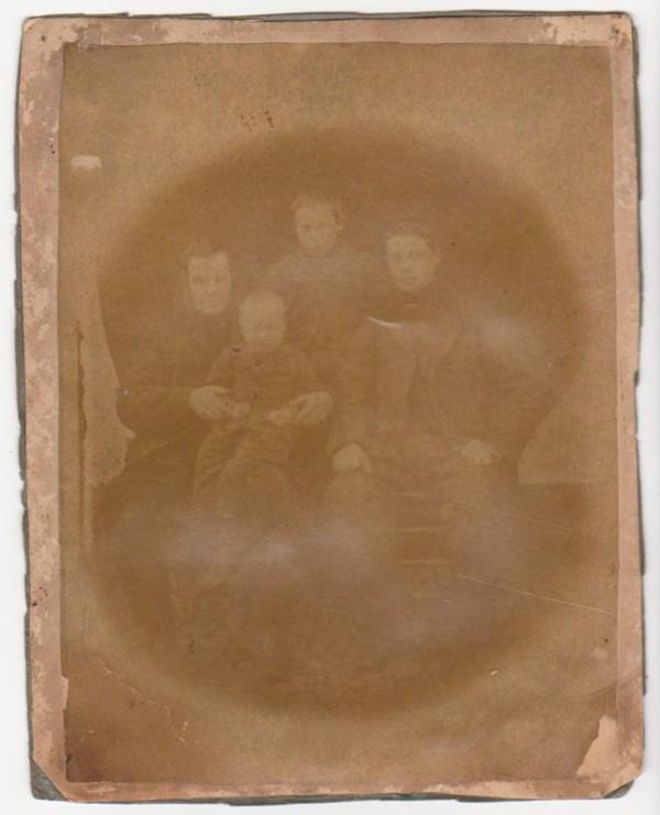 Roelof Kooij met zoons Roelof, Cornelis Jacobus en Evert