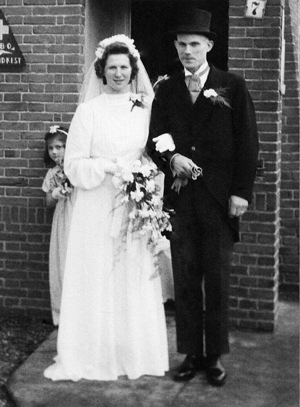 Aukje van Wijngaarden en Laurens van Dijk, trouwfoto