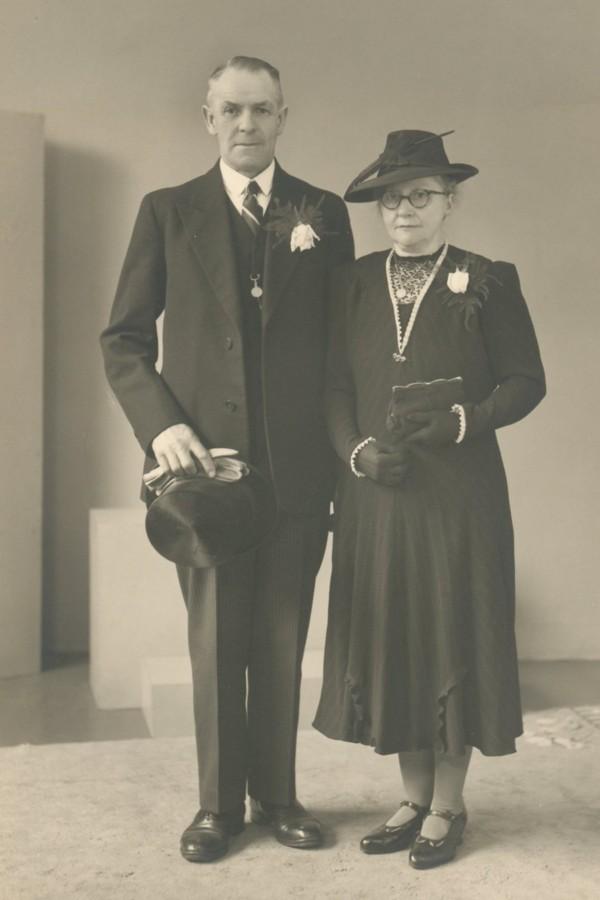 Dirk Jacobus Cornelis Verhaar en Aaltje Oosterbroek trouwfoto