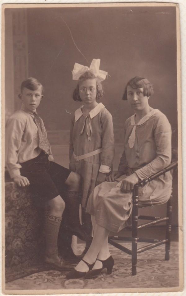 Evert Makkes, Bonna Makkes en moeder Atina van Ginkel