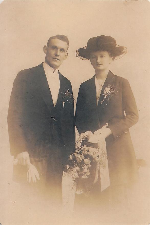 Wilhelmus Bax en Sibijlla Johanna van Hagen, trouwfoto