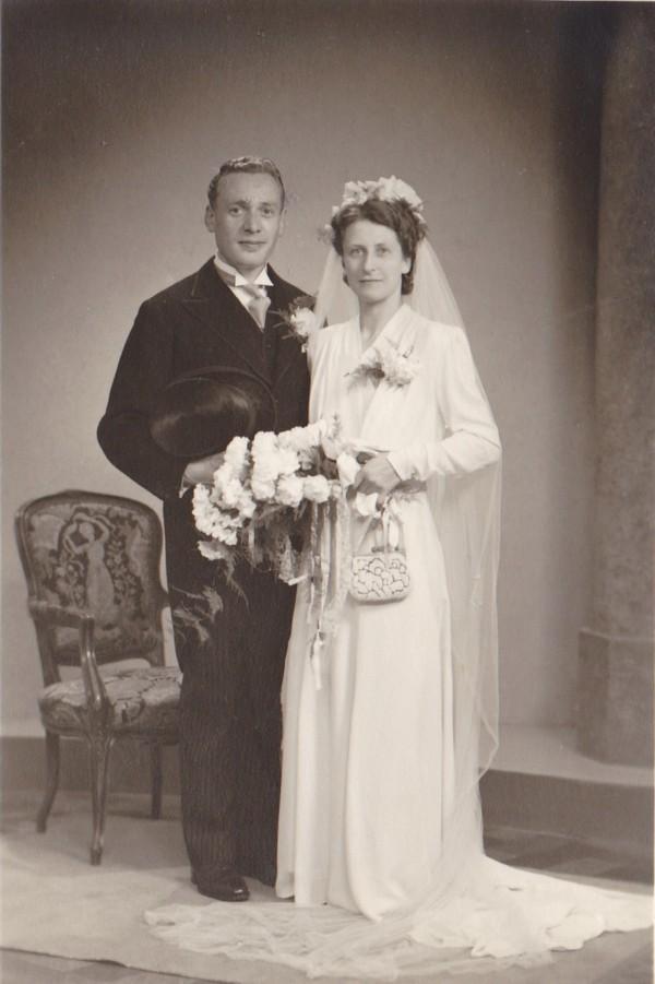 Arie Otten en Elisabeth Johanna van der List, trouwfoto