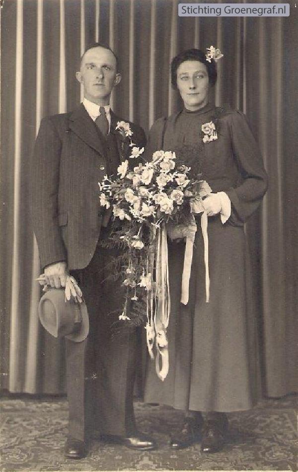 Foto  Hillebartus van Essen en Evertje van de Berkt trouwfoto