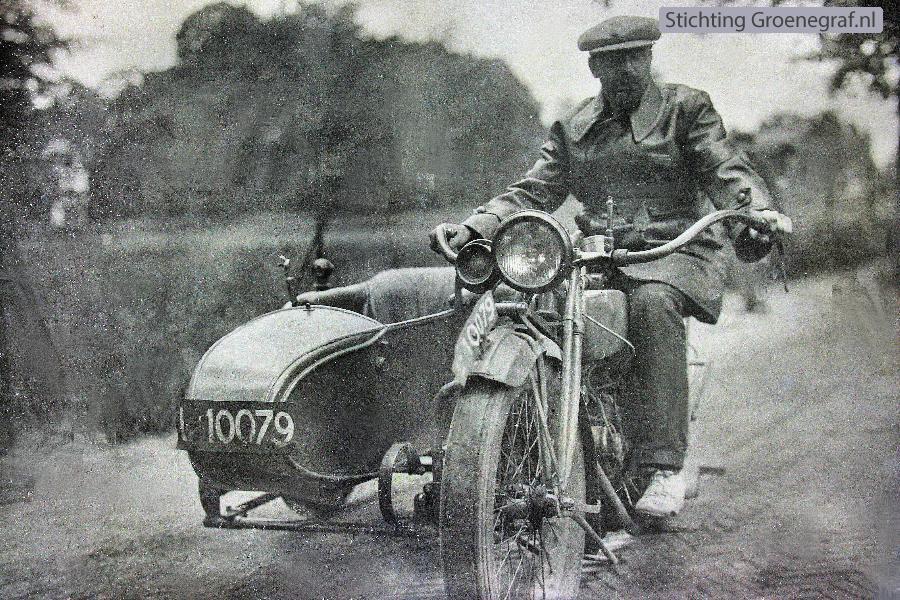 Dirk Hornsveld op zijn motor