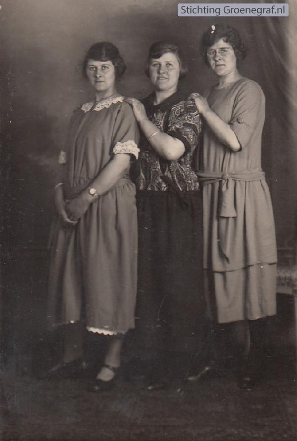 Theodora Hool, Cecilia Hool en Wilhelmina Hool
