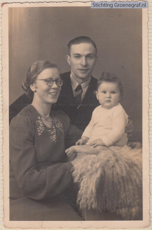 Alida Bertha van Buuren, Simon Johannes Jacobus Bakker en dochter Nel Bakker