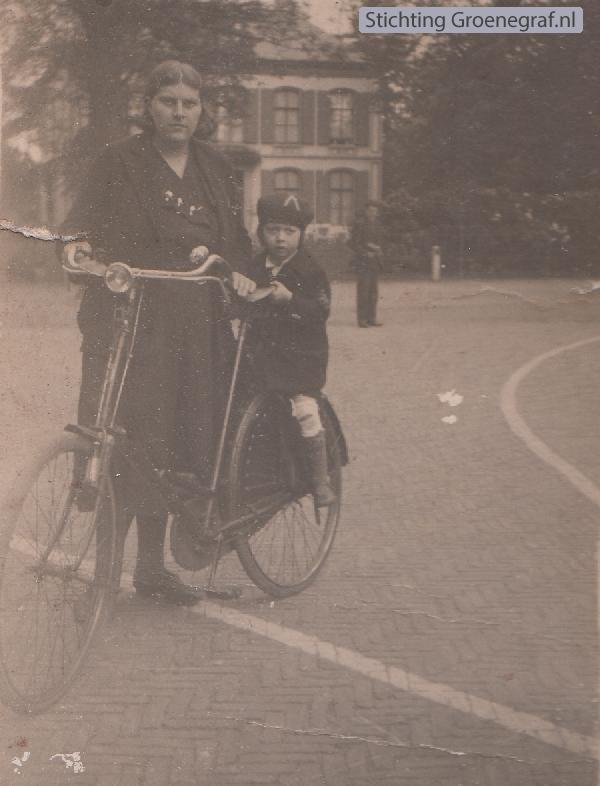 Foto  Elisabeth Cornelia Bakker en J.Nienhuis