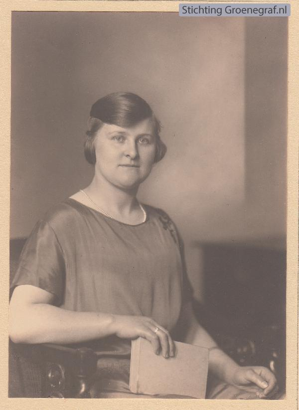 Cecilia Hool