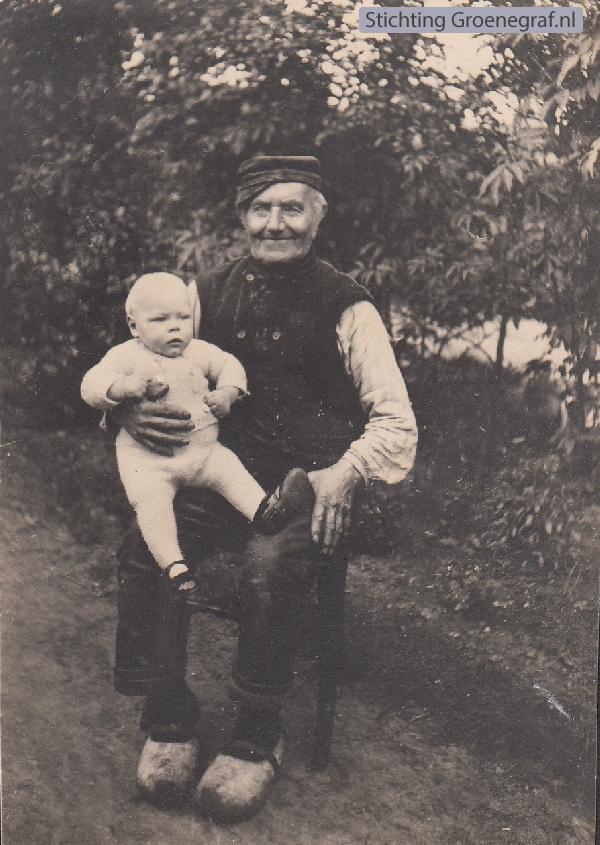 Tijmen Daselaar met kleinzoon Johannes Timotheus Zeggelaar