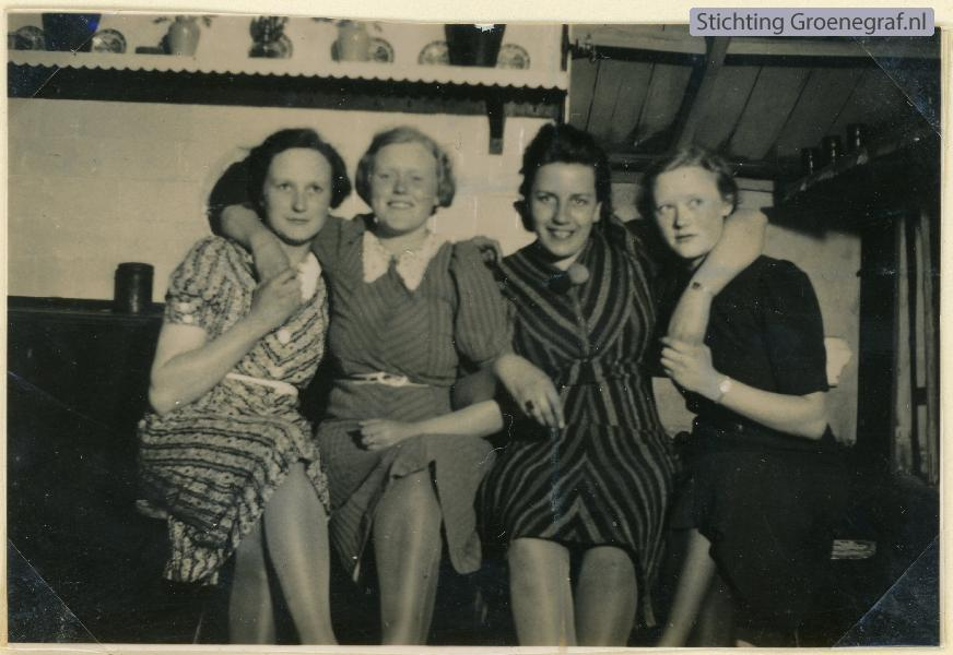 Jacoba Adriana Schothorst, Richarda Hendrika Schothorst, Adriana Anna Josefina Schrijvers, Hendrika Gijsberta Schothorst