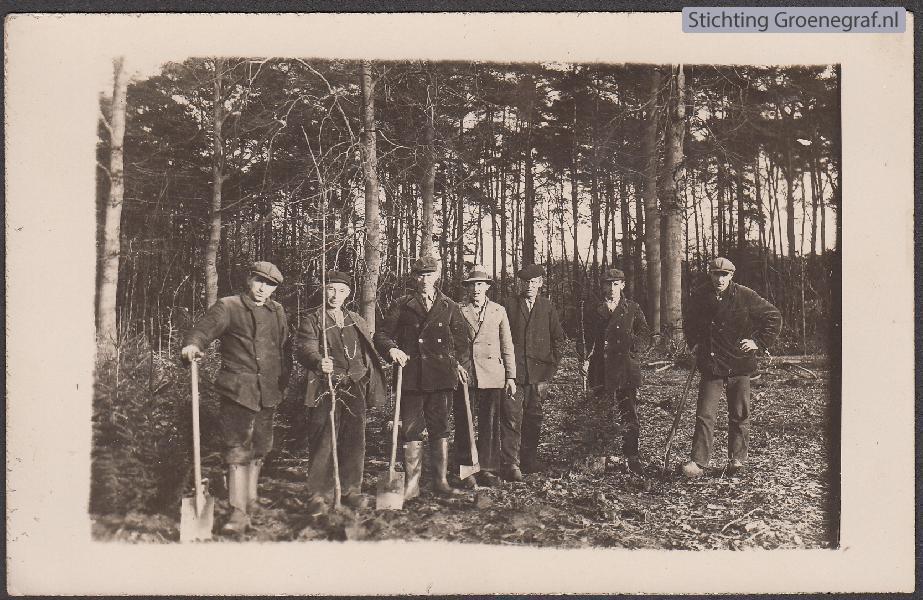 Mannen in het bos