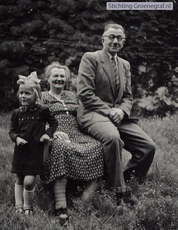Evert Jan van der Flier, Clara de Zoete en kleindochter Adriana Clara Verburg