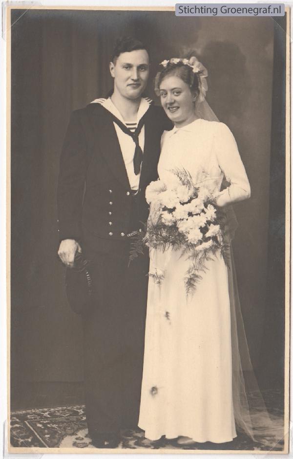 Ary Johannes Oosterbroek en Niesje Bakker, trouwfoto