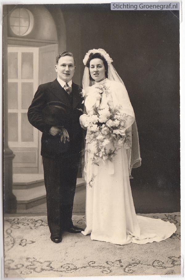 Johannes Oosterbroek en Klazina Neeltje Waardenbuirg, trouwfoto