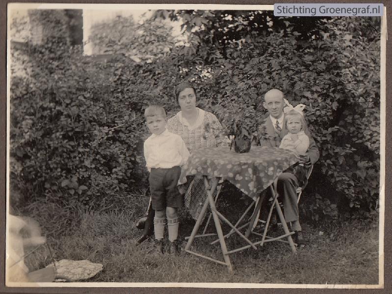 Klaas Heij en Jannetje Veldhuijsen met kinderen Pieter en Gijsbertha Clazina