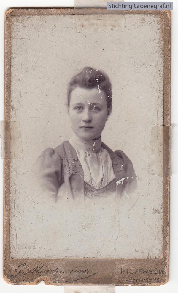 Cornelia Camper