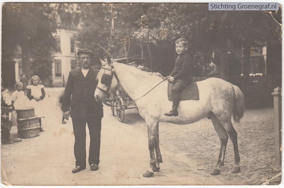 Gosen Johannes Brölman met kleinzoon Gosen Johannes Brölman
