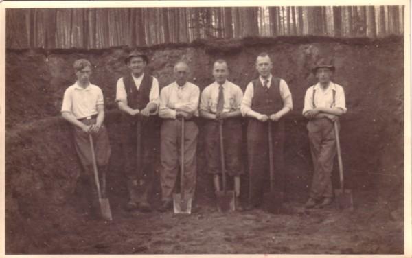 Schuilplaatsen graven tijdens 2e wereldoorlog in het Baarnsche Bosch