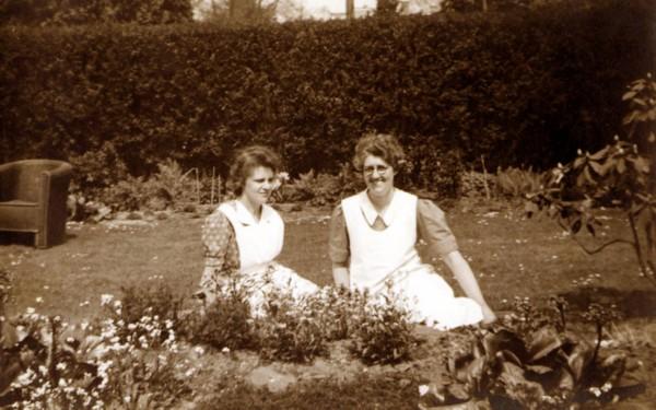 Geertruida Roos en Jannetje Roos