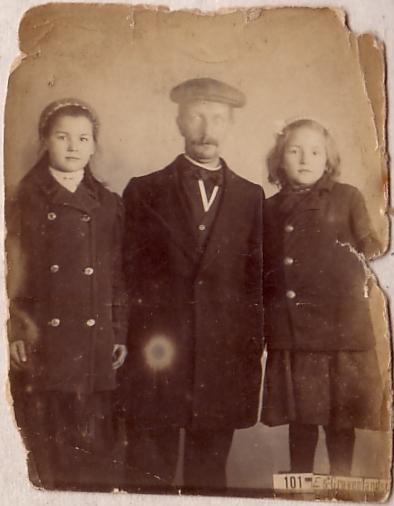 Dirk Radstok en zijn dochters Alida en Dirkje Radstok
