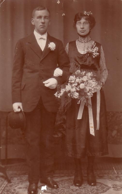 Willem Radstok en Trijntje Petronella Antonia Dijs trouwfoto