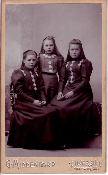 Adriana Johanna Maria, Aletta Engelina en Johanna Maria van Dijk