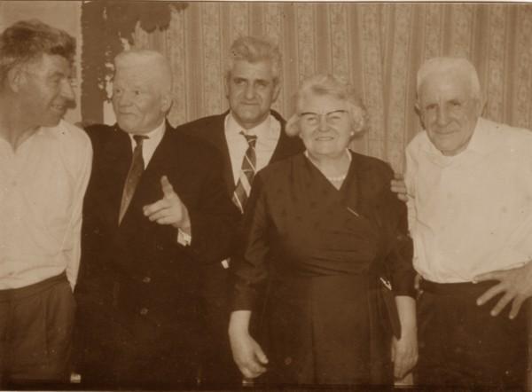 Willem, Wouter, Jan, Wilhelmina Anna Magdalena en Aldert Gerrit Broerze