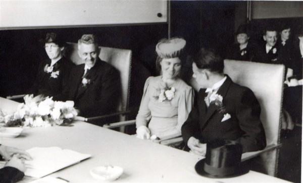 Foto  Geertruida Roos en Anthony Slagboom trouwfoto