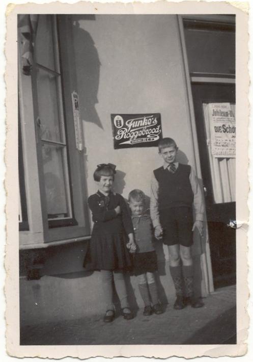 Leni, Frits en Joop Roskamp