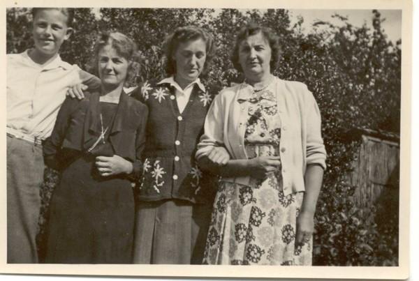 Frits, Catharina, Leni en Dora Roskamp