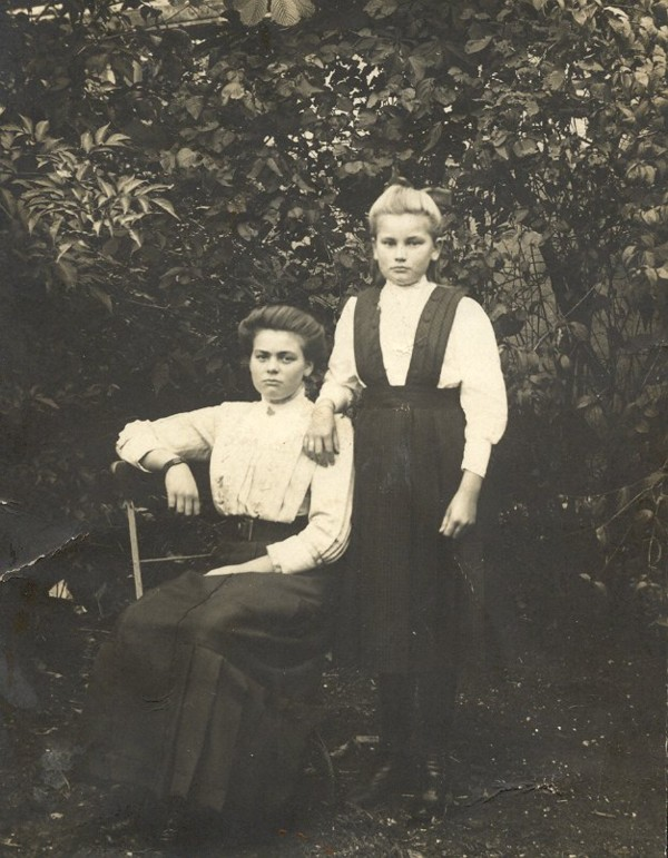 Marie Roskamp en Wijntje Roskamp