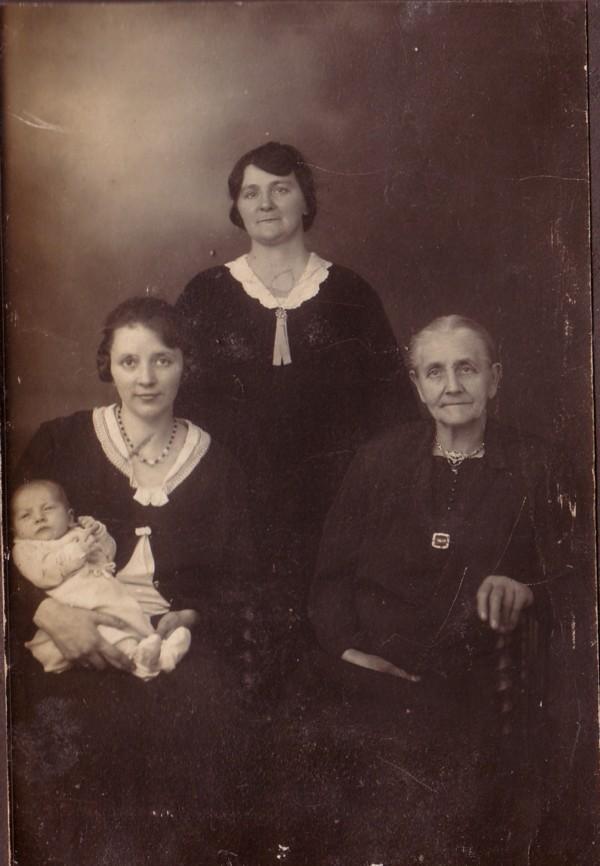Beppie Kuijper, Lisetta Josepha de Ruiter, Jannetje Koelewijn en Josepha Lisetta Ravenhorst