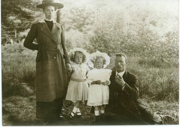 Johannes Gerardus Bree en Martzen Bosma met kinderen