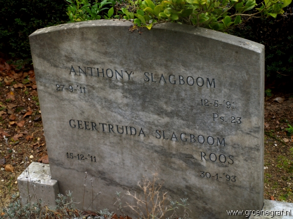 Grafmonument grafsteen Anthony  Slagboom