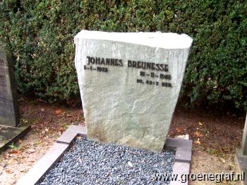 Grafmonument grafsteen Johannes  Breunesse