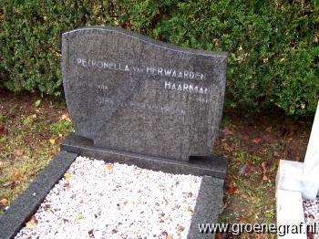 Grafmonument grafsteen Dirk van Herwaarden