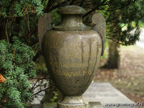 Grafmonument grafsteen Elisabeth  Kirschbaum