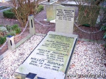 Grafmonument grafsteen Willem  Huisman
