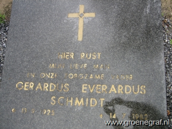 Grafmonument grafsteen Gerardus Everardus  Schmidt