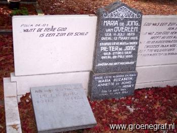 Grafmonument grafsteen Pieter de Jong