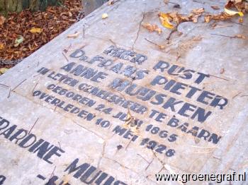 Grafmonument grafsteen Frans Pieter Anne  Muijsken
