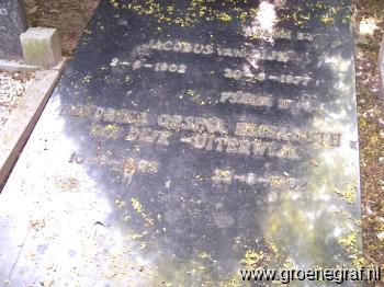 Grafmonument grafsteen Jacobus van Dijk