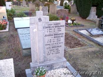 Grafmonument grafsteen Cornelis  Brouwer