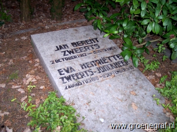 Grafmonument grafsteen Jan Berent  Zweerts