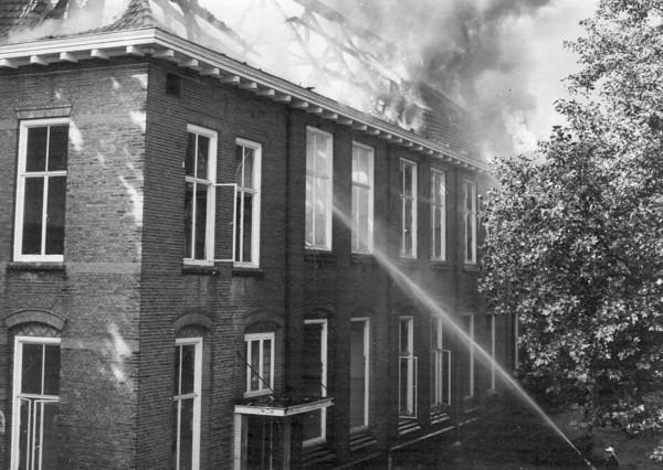 Oorsprongschool door brand verwoest